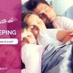 famiglia che fa cosleeping nel lettone