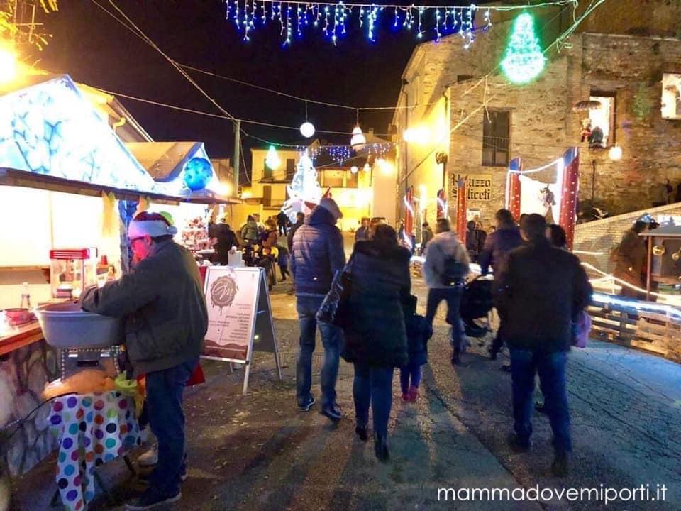 Il Borgo di babbo Natale di Ripattoni, Abruzzo, foto di Donatella Toletti, Mamma dove mi porti