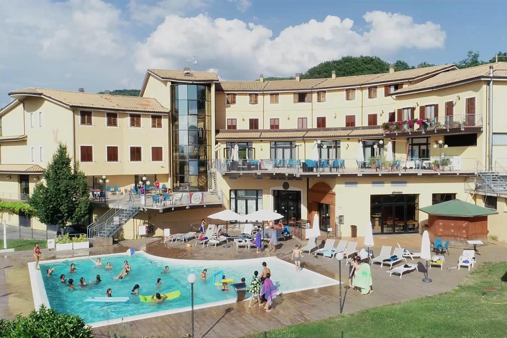 you can camp campi esitiv residenziali inglese falcon hotel