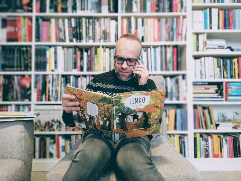 bibliotecario rete biblioteche cometa che legge