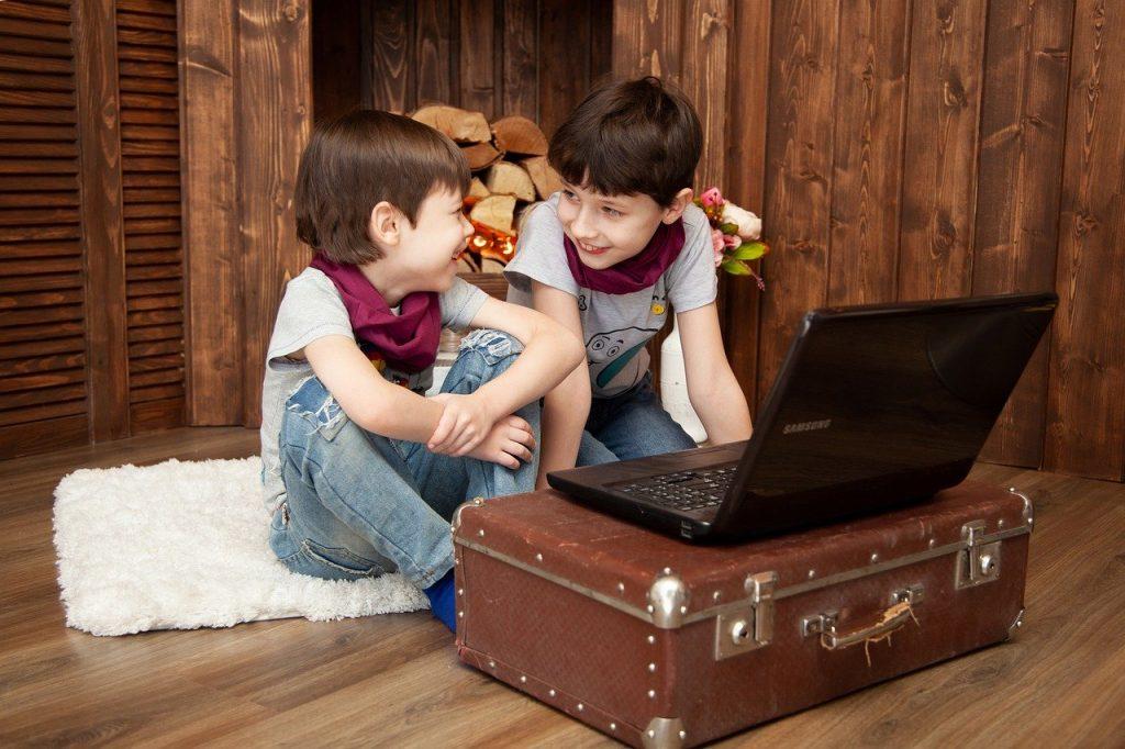cosa fare in casa con i bambini