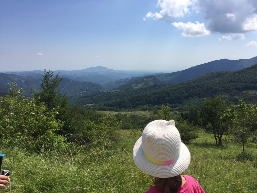 panorama trekking montegallo